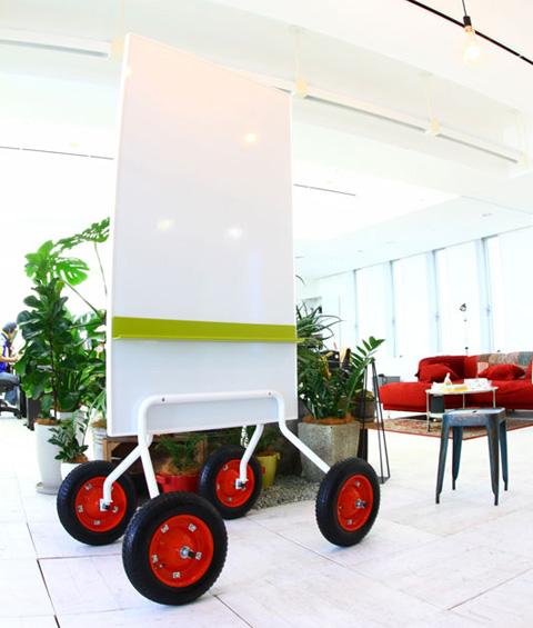 車輪家具のホワイトボード